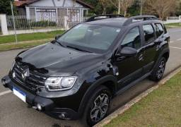 Duster Iconic Outsider 2021 - Particular