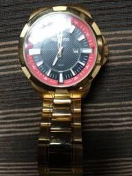 Título do anúncio: Vendo um relógio técnico Dourado sem nenhuma avaria