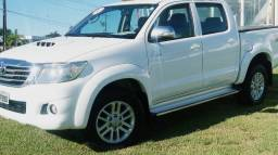 Toyota Hilux Srv 4x4 - 2014