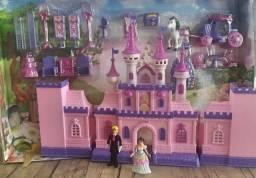 Castelo de Princesas EncantandoMusical com Móveis e Acessórios