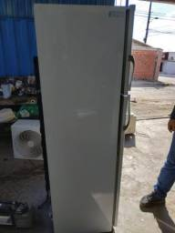 Geladeira Dako 400 litros