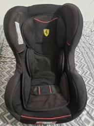 Cadeira p/ Auto Bebê Ferrari Cosmo preta Reclinável 0 A 25 Kg bem conservada