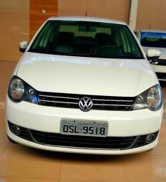 Polo Confotline Sedan Completo 1.6 - 2014