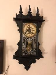 Lindo Relógio de Parede