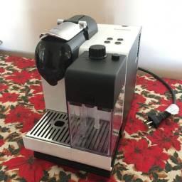 Cafeteira Nespresso Latissima