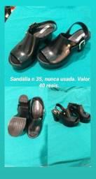 Sandália n35 nunca usada