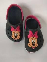 Crocs Infantil Minnie/ Batman: tamanho 19 ao 26