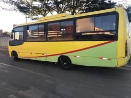 Micro ônibus 29 lugares Mercedes benz buscar 2006 c/ ar condicionado