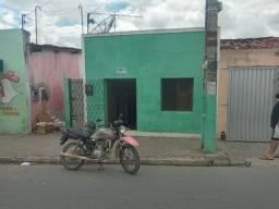 Vende-se essa casa na rua doutor amalri de Medeiros