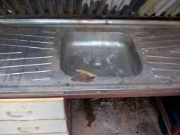 Vendo pia de inox com armação de ferro
