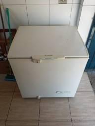 Freezer horizontal de uma porta