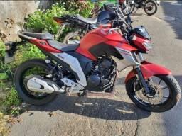 Moto Yamaha Fazer FZ25 ano 2019 licenciada 2021 vermelha 11200km aceito cartão