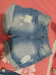 Short jeans Tamanho 44, mas veste 42 também. 30,00
