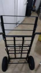 Carrinho de ferro para transportar mercadorias