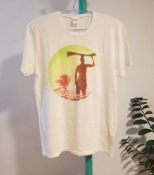 camiseta hollister creme