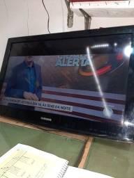Tv sansung LN32C400 funcionando, tela com defeito conforme as fotos