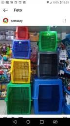 Caixas de transporte para cães de todos os tamanhos.