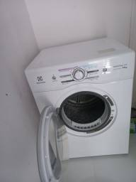 Secadora de roupas, Elwtrolux,11kg,semi nova, de barbada