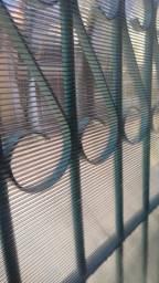 Fechamento de Portão com Policarbonato