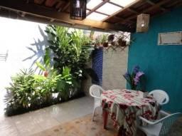 Chalé em Ilhabela/Wi-fi/varanda /churrasq./opção de ar./ducha