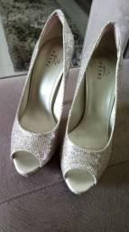 Sapato dourado brocado 37 novo