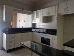 Casa à venda em londrina no parque leblon com 3 dormitórios, 200 m² por r$ 320.000