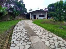 Chácara com 7.500 m², bela casa com ótimo acabamento interno.(Tel. *)
