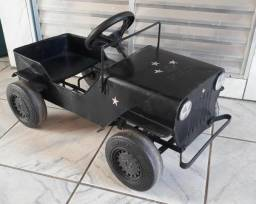 Jeep bandeirantes de lata (antiguidade)