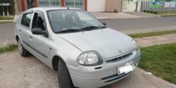 Renault Clio 2002 com vidro elétrico ar condicionado troco por Saveiro - 2002