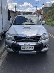 Toyota Hilux 2014 cabine dupla km 57.000 - 2014