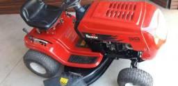 Trator cortador de grama Toyama