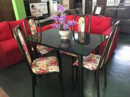 Linda mesa 04 cadeiras tampo de pedra 120x75 cm pintura ouro velho
