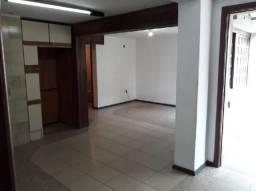 Casa à venda com 5 dormitórios em Auxiliadora, Porto alegre cod:6738