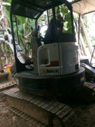 Mini escavadeira bobcat E26 ano 2013