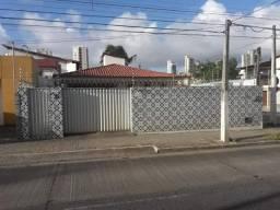 Venda de 2 casas em Lagoa Nova 4/4, sendo 2 suítes e e 2 semi suítes
