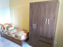 Aluga-se quartos femininos (braunes)
