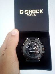 Relógio G-SHOCK caixa de aço.