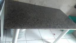 Título do anúncio: Vendo mesa com pedra de mármore grande