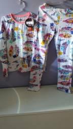 Título do anúncio: Pijama da PUC veste 8 até 10 anos brilha no escuro