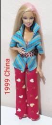 Barbie original Mattel de 1999 roupas não originais dela