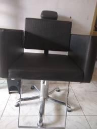 Cadeira cabeleireiro bem conservada