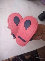 Sandálias de meninas super conservada