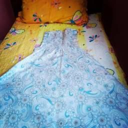 """Vestido """"Tomará Que Caia"""" Branco com estampas florais em azul e branco"""