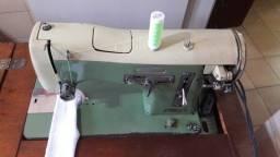 Título do anúncio: Vendo máquina de costura elgin