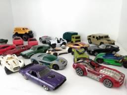 Carinhos de coleção 22 tops muitos Hot wheels