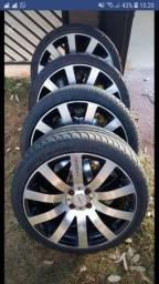 aro 17   com dois pneus  BF novo