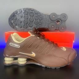 Título do anúncio:  Tênis Nike Shox Numero 41 Marrom Queima de Estoque