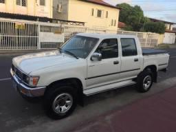 Toyota Hilux sr5 2001/2001 2.8 4x4 EXTRA apenas 223 mil km originais - 2001