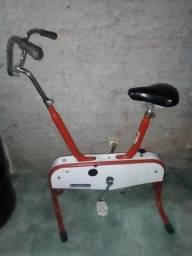 Bicicleta ergométrica antiga