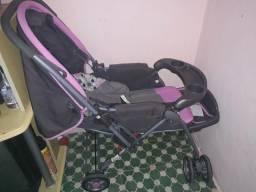 Carrinho de bebê 200 reais (Preço Negociável)